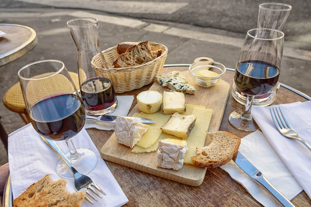 King's Court Estate Winery Red Wine With Cheese And Bread